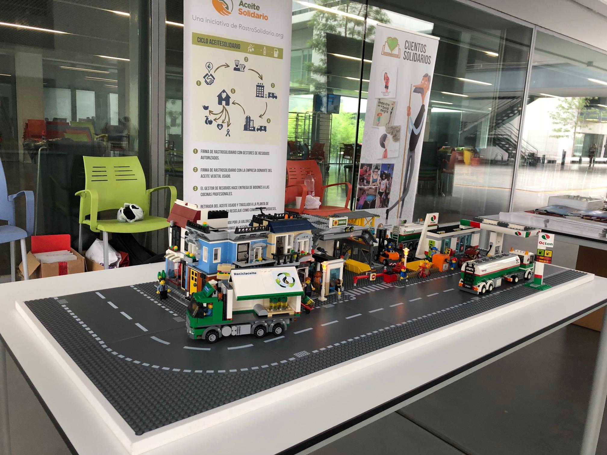La ciudad de LEGO ©, sobre la que explicamos el proceso de reciclaje del aceite usado