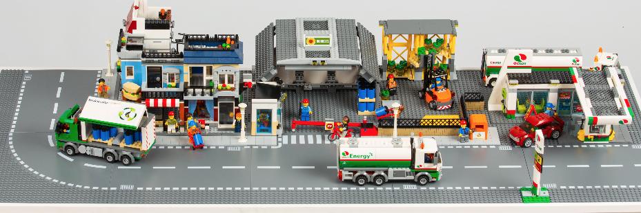 Diorama de LEGO donde explicamos el proceso de reciclaje del aceite usado